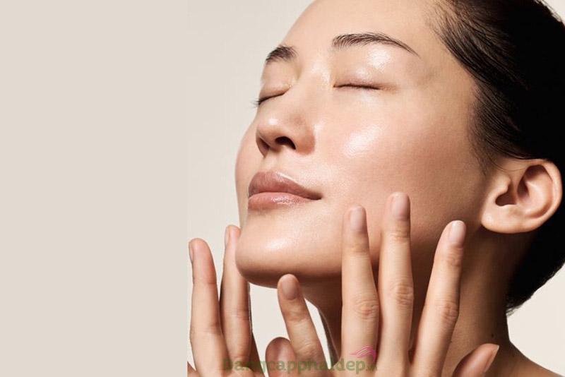 Sau thời gian sử dụng, bạn sẽ thấy da căng mịn, tươi trẻ hơn.