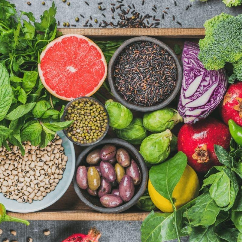 Ăn nhiều rau củ quả để tăng khả năng thanh lọc, thải độc cơ thể.