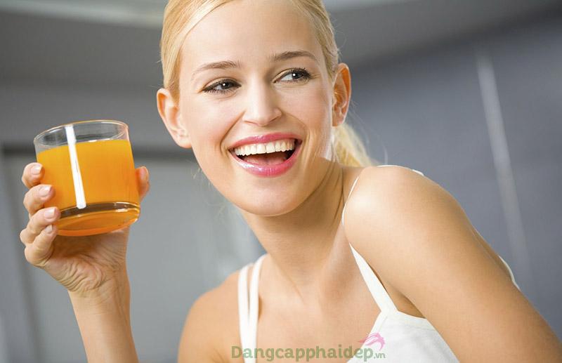 Hydrolyzed collagen có đặc tính tan trong chất lỏng, giúp cơ thể dễ hấp thu hơn.