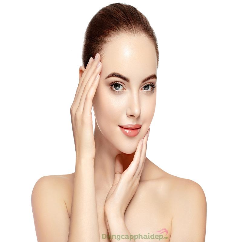 Bột đậu xanh cung cấp rất nhiều vitamin, khoáng chất nuôi dưỡng da trắng mịn từ bên trong.
