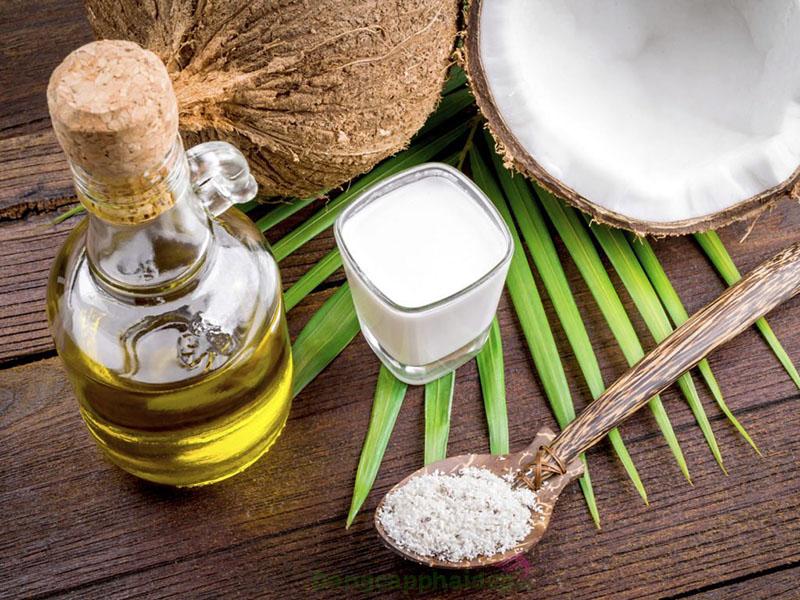 Dầu dừa là nguyên liệu mang lại nhiều tác dụng cho da.