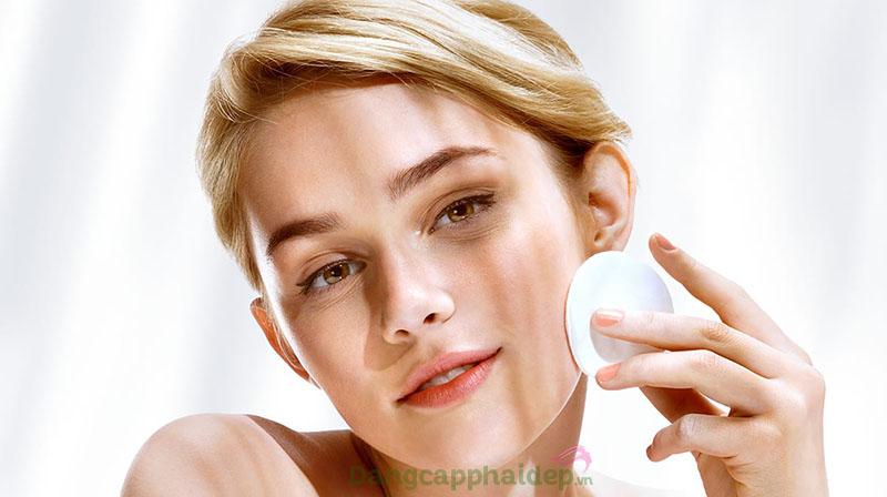 Bông tẩy trang là công cụ hỗ trợ làm sạch da, dưỡng da hiệu quả