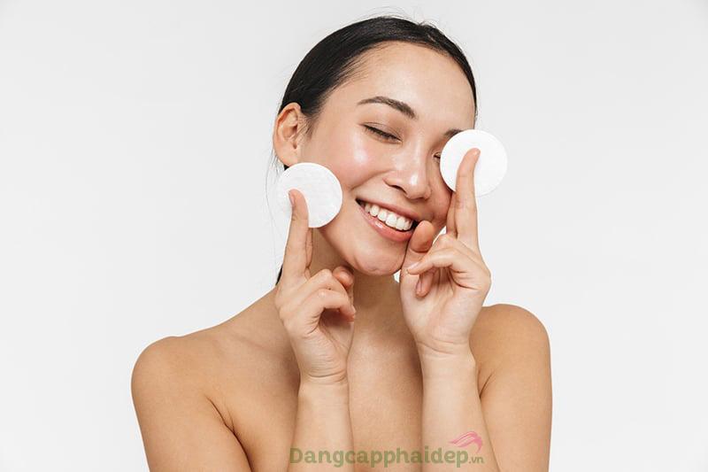 Bông tẩy trang có thể thay thế khăn lau mặt