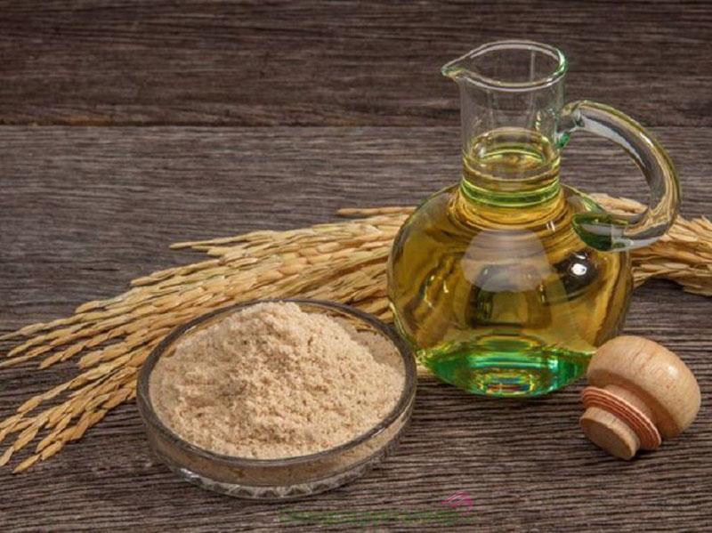 Hướng dẫn cách chăm sóc da bằng dầu cám gạo.