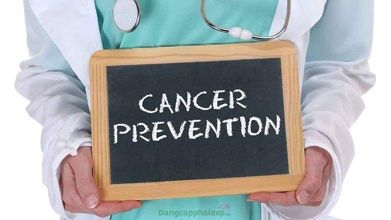 Viên uống vitamin E giúp ngăn ngừa ung thư và tốt cho tim mạch.