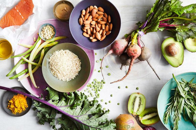 Bổ sung ngay các thực phẩm dinh dưỡng vào bên trong