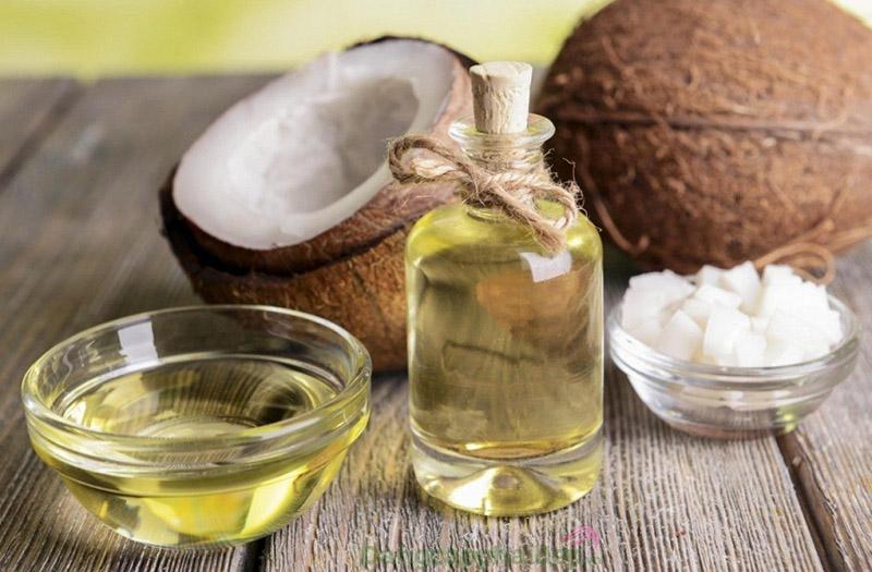 Dầu dừa là nguyên liệu mang lại nhiều tác dụng làm đẹp da hiệu quả.