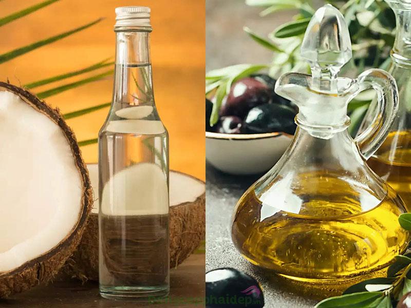 Dầu oliu dưỡng tóc loại nào tốt? Phục hồi tóc khô xơ chẻ ngọn hiệu quả với dầu oliu kết hợp dầu dừa, dầu mè.