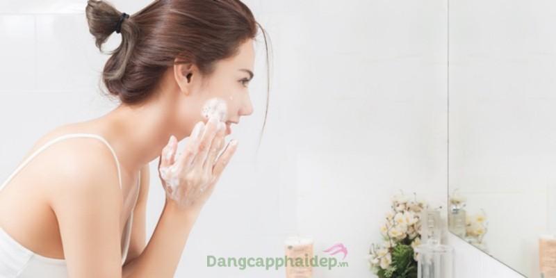 Sữa rửa mặt chứa enzyme Obagi Clinical Kinetin+ Exfoliating Cleansing Gel
