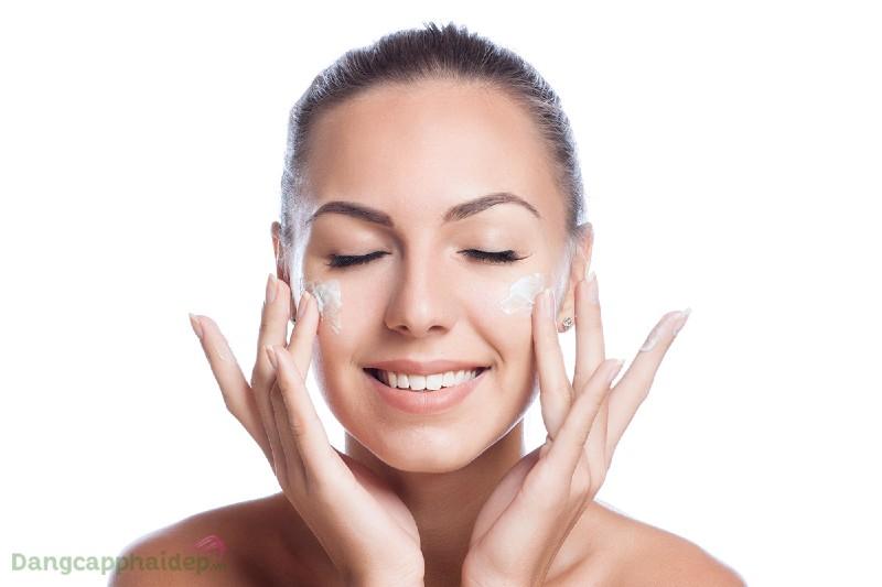 Image Iluma Intense Brightening Exfoliating Cleanser